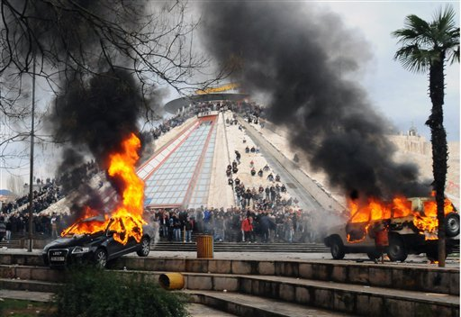 21-jan-2011-burning-pyramid